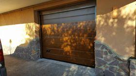 Porta sezionale da garage finto legno dogato Caprarola (VT)