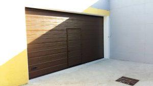 porta sezionale da garage coibentata e motorizzata