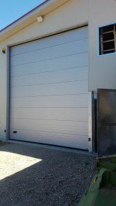 installazione porta sezionale industriale per capannone a soriano nel cimino