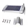 staffe e viti incluse nel lampione a energia solare